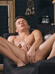 Gay Boys Logan Cross